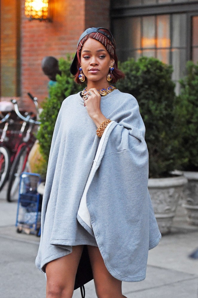 Rihanna: Leaving the Bowery Hotel -02