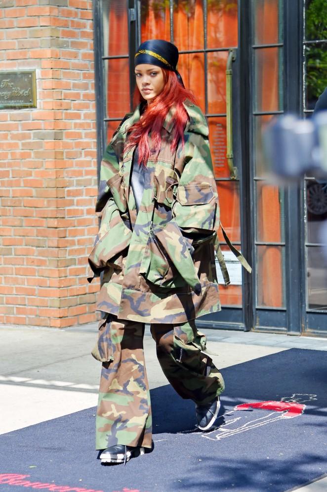 Rihanna: Leaving the Bowery Hotel -04