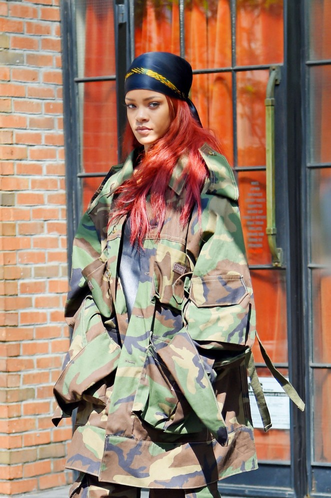 Rihanna: Leaving the Bowery Hotel -05