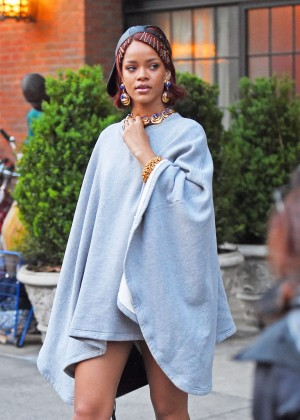 Rihanna - Leaving the Bowery Hotel in NYC