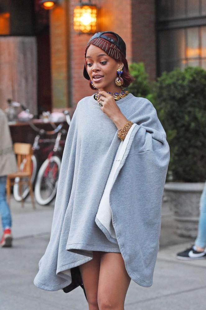 Rihanna: Leaving the Bowery Hotel -09