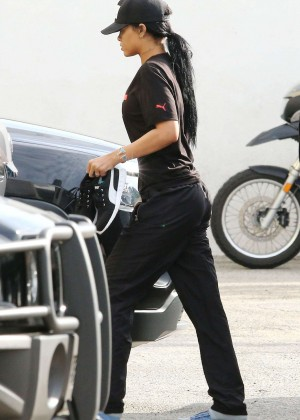 Rihanna - Leaving the gym in Los Angeles