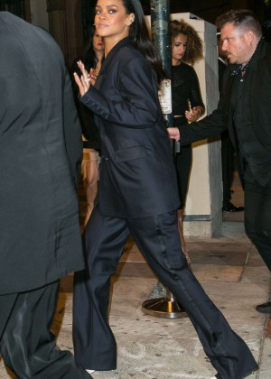 Rihanna - Leaving the Universal Music Group's Grammy After Party