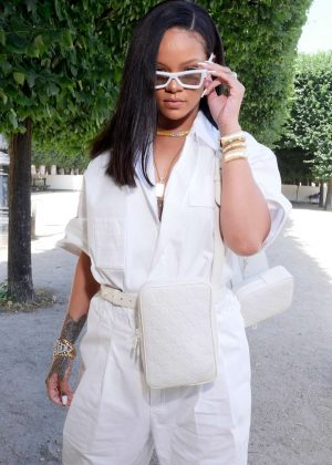 Rihanna - Louis Vuitton Show SS 2019 at Paris Fashion Week