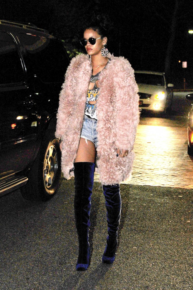 Rihanna – Night out in New York