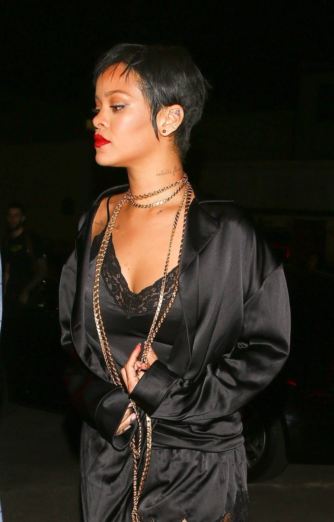 Rihanna - Night out with friends at Delilah Nightclub in West Hollywood