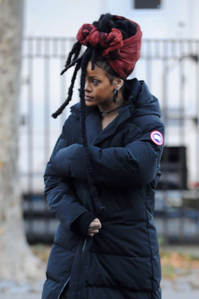 Rihanna on 'Ocean's Eight' set in New York