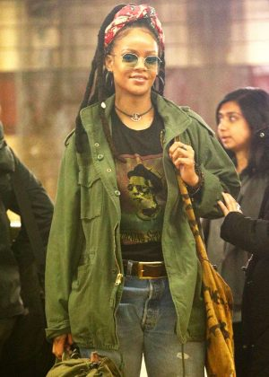 Rihanna on set of 'Oceans 8' in New York City
