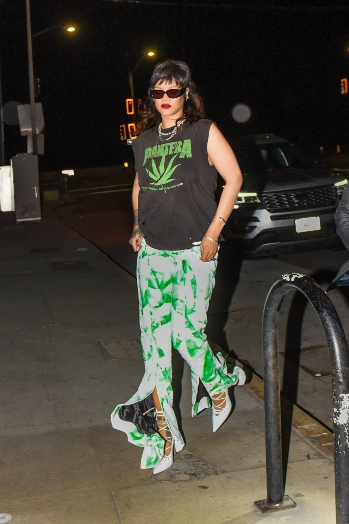 Rihanna - Out for a private dinner at Giorgio Baldi in Santa Monica