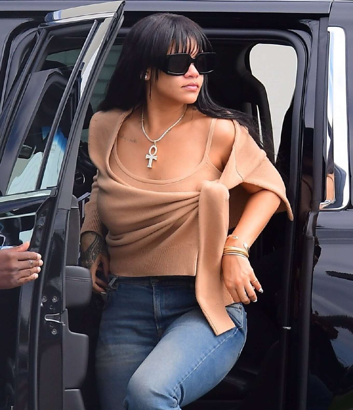 Rihanna - Out in New York