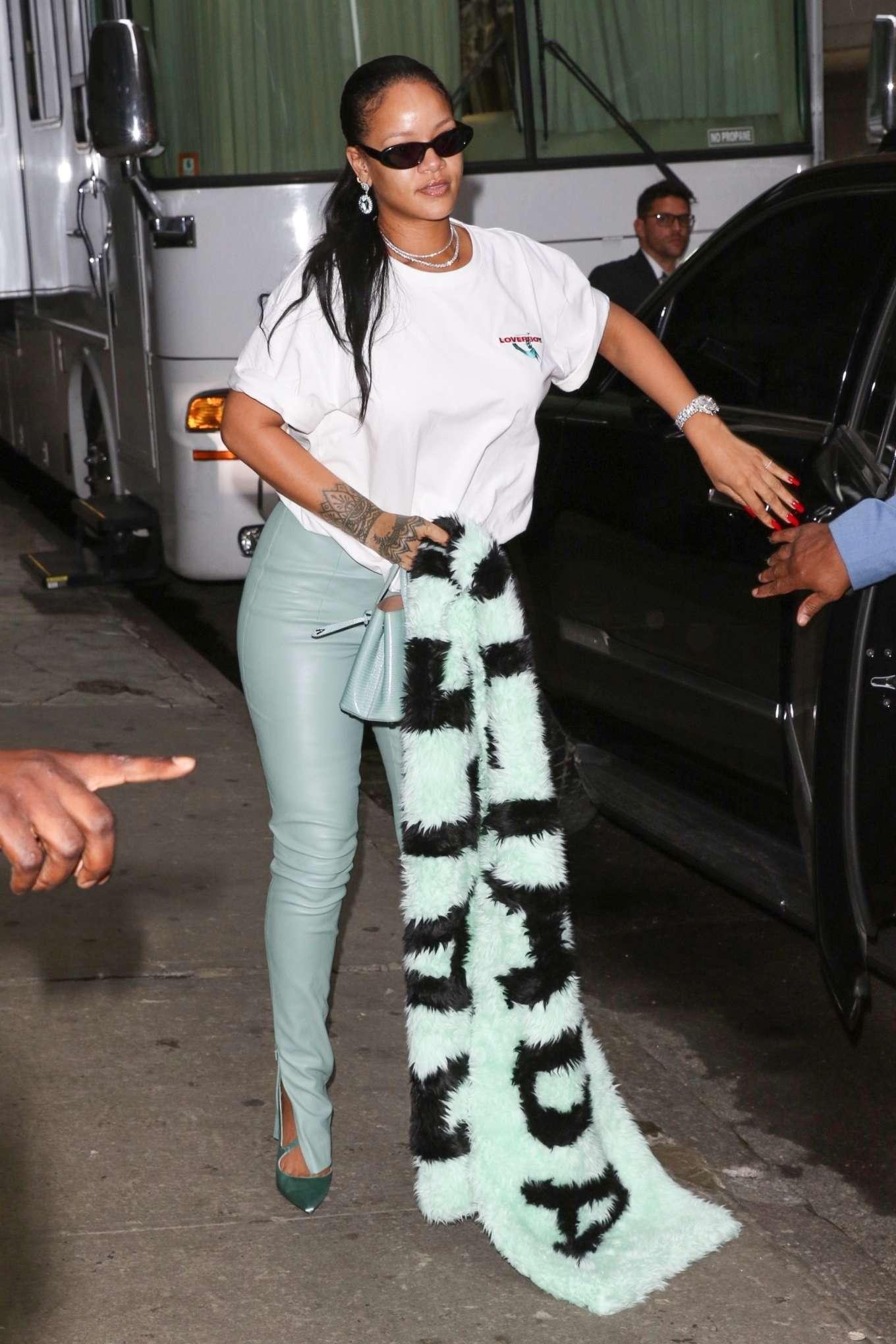 Rihanna 2019 : Rihanna – Out in NYC-07