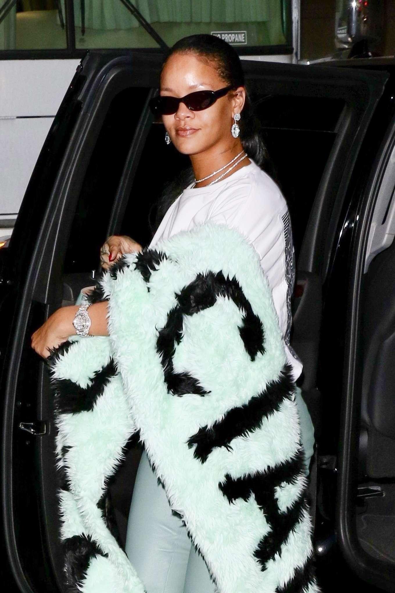 Rihanna 2019 : Rihanna – Out in NYC-10