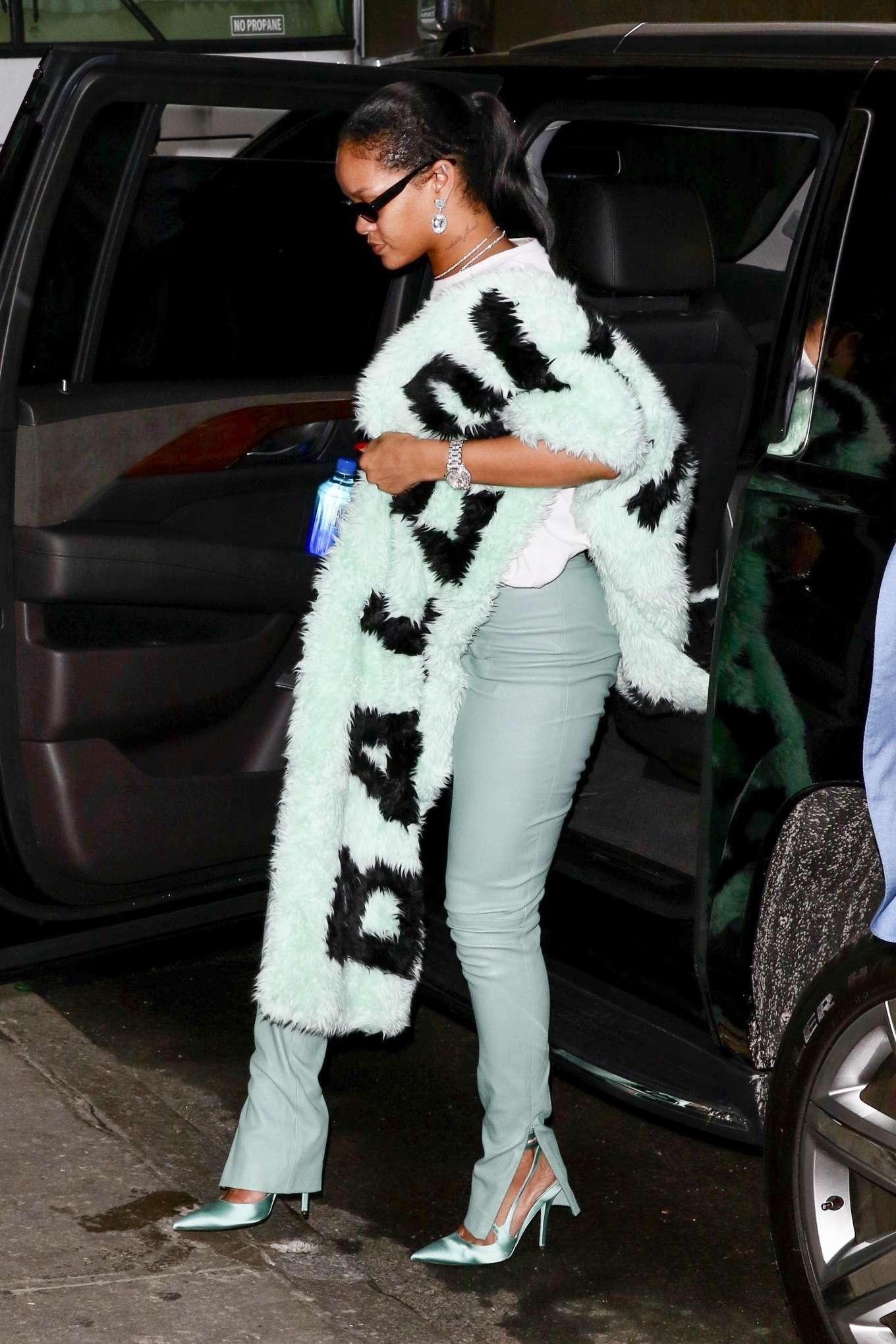 Rihanna 2019 : Rihanna – Out in NYC-14