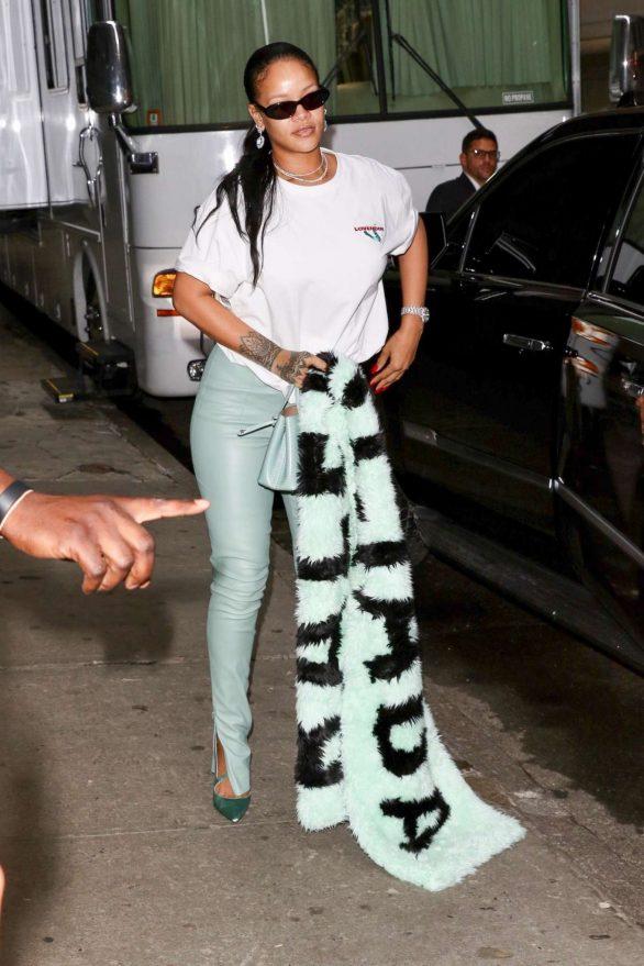 Rihanna 2019 : Rihanna – Out in NYC-16