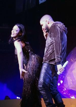 Rihanna: Performs at Anti World Tour -01