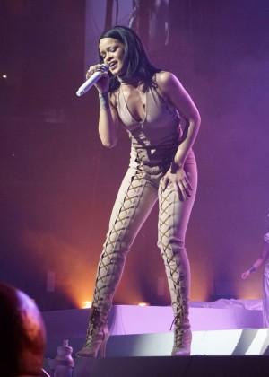 Rihanna: Performs at Anti World Tour -07