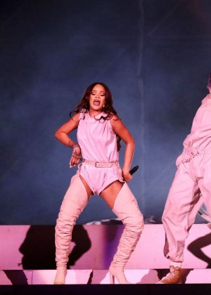 Rihanna: Performs at Meazza stadium in Milano -02