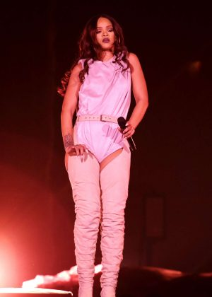 Rihanna: Performs at Meazza stadium in Milano -04