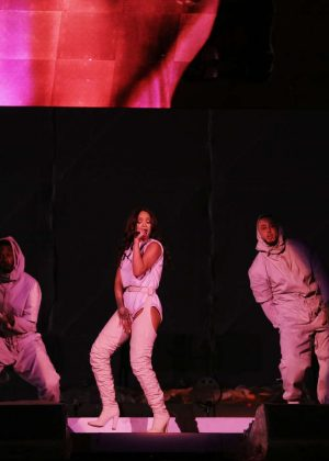 Rihanna: Performs at Meazza stadium in Milano -12