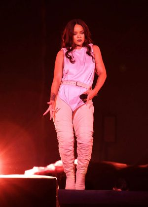 Rihanna: Performs at Meazza stadium in Milano -16