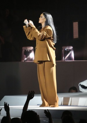 Rihanna Performs in Vancouver -48