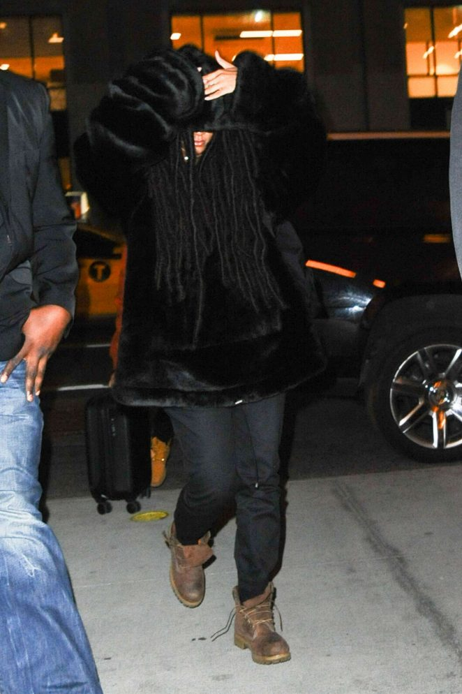 Rihanna Returns home in New York