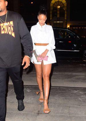 Rihanna - Seen Outside the Nobu Restaurant in Manhattan