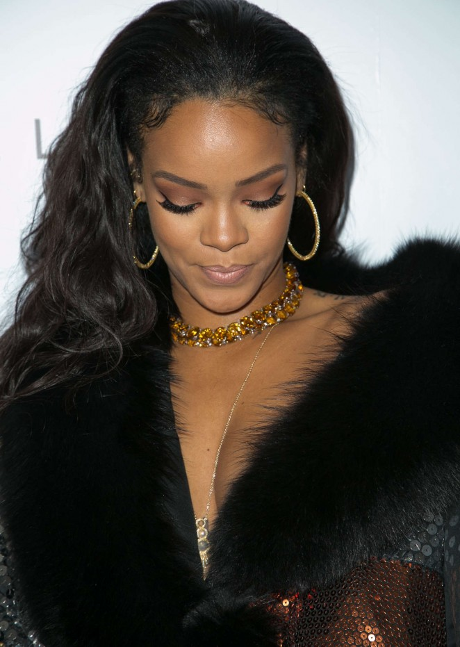 Rihanna - The Daily Front Row's 1st Annual Fashion Los Angeles Awards