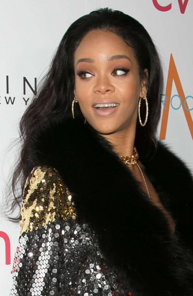 Rihanna: The Daily Front Row Fashion LA Awards 2015 -17