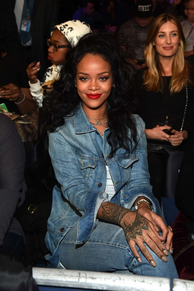 rihanna  u2013 throne boxing fight night in new york city
