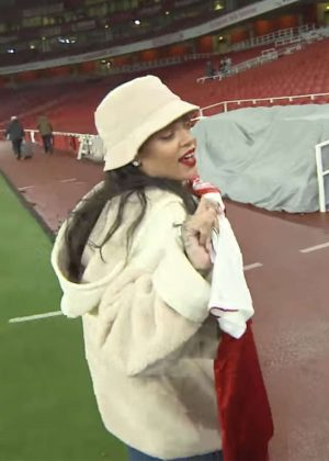 Rihanna - Watches Arsenal vs Everton at the Emirates Stadium in London