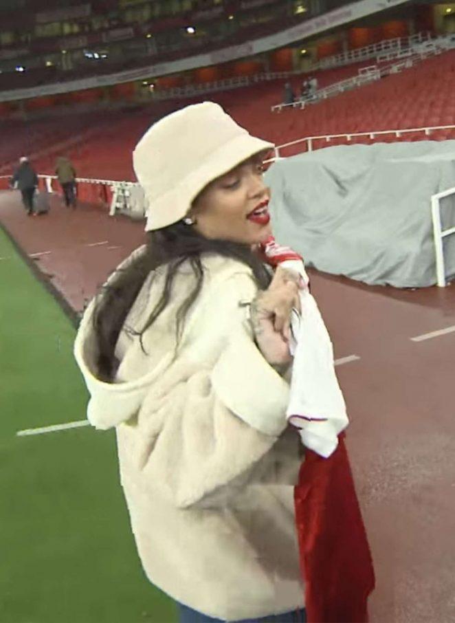 Rihanna - Watches Arsenal vs Everton at the Emirates Stadium in London