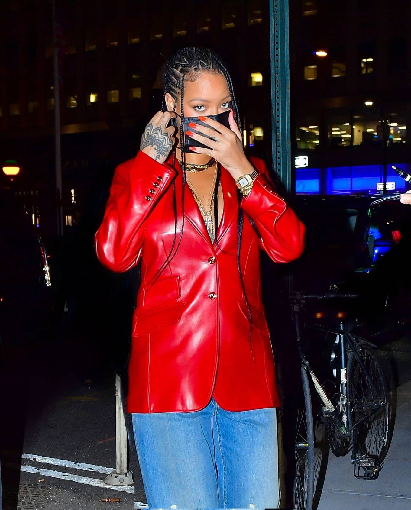 Rihanna 2021 : Rihanna – Wearing baggy denim for dinner at Nobu in New York-05