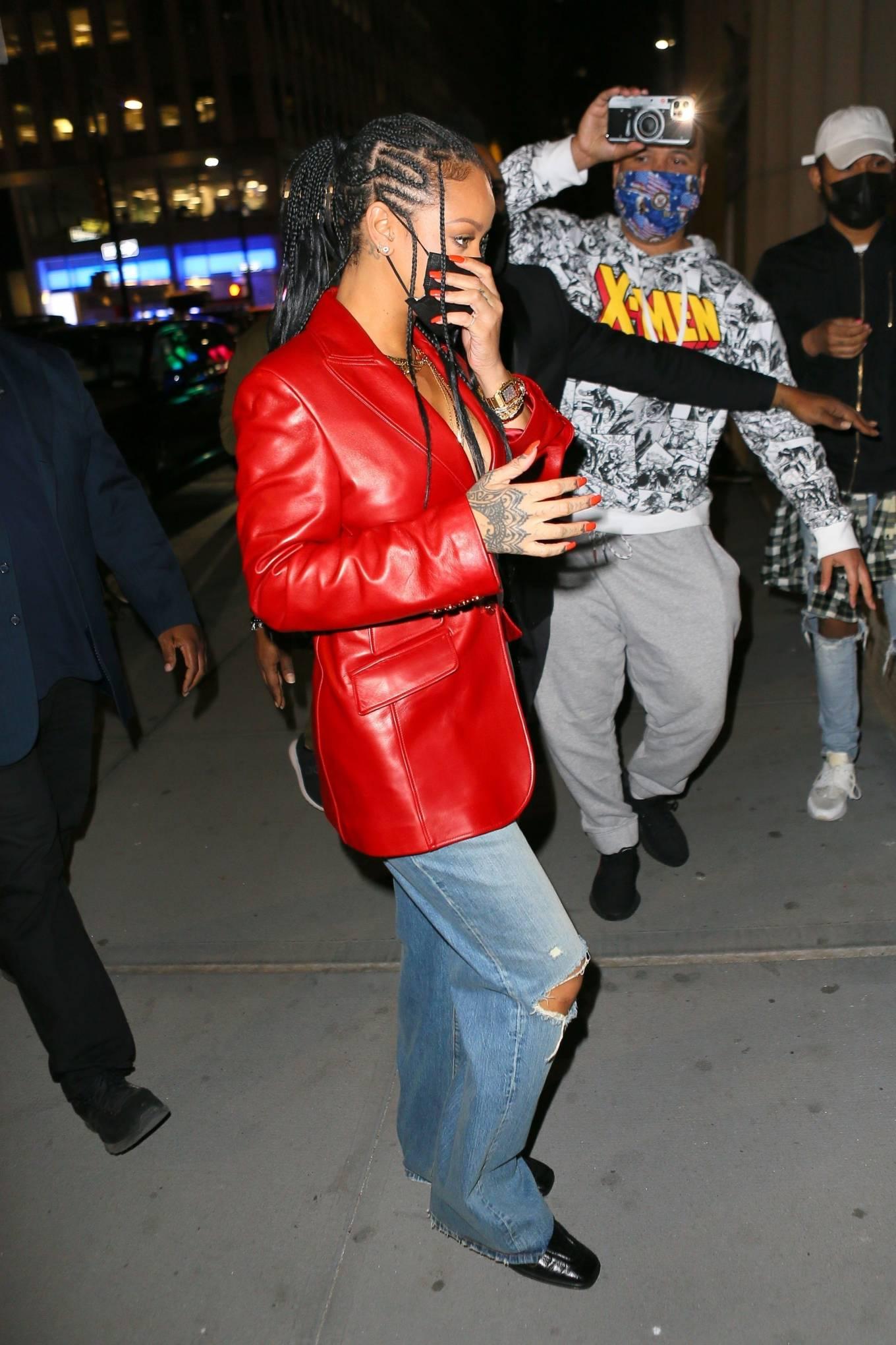 Rihanna 2021 : Rihanna – Wearing baggy denim for dinner at Nobu in New York-23