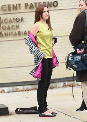 Riley Keough - Filming 'Happy Valley' in NYC