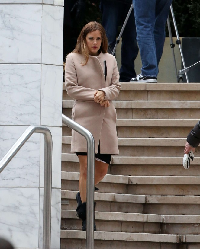 Riley Keough: Set of The Girlfriend Experience -04