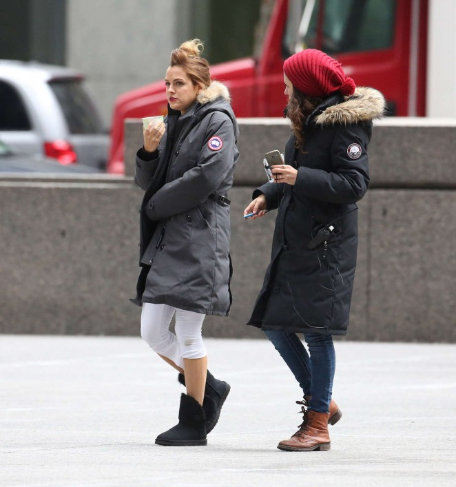 Riley Keough: Set of The Girlfriend Experience -06