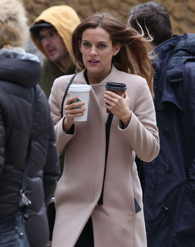 Riley Keough: Set of The Girlfriend Experience -07