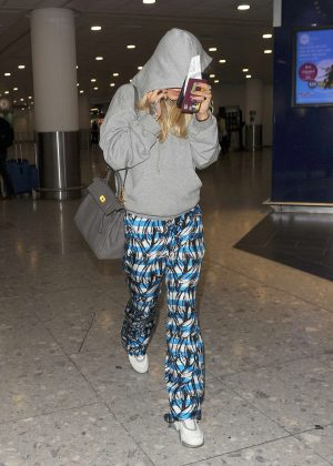 Rita Ora - Arrives at Heathrow airport in London