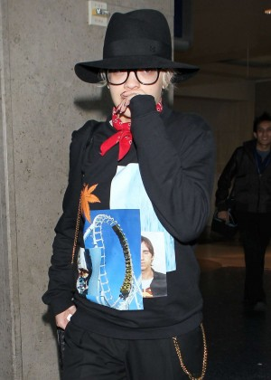 Rita Ora - Arriving at LAX airport in Los Angeles