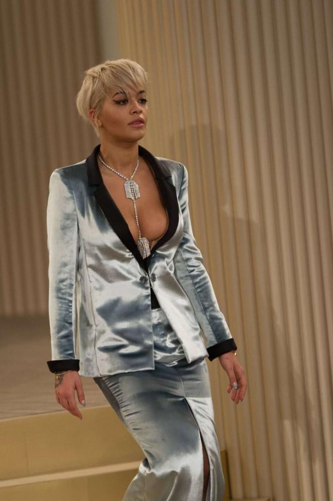 Rita Ora – Chanel Fashion Show in Paris