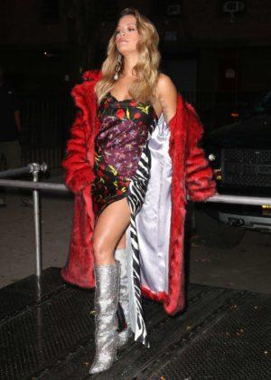 Rita Ora - Filming a music video in NYC
