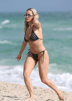 Rita Ora Hot Bikini Photos -15