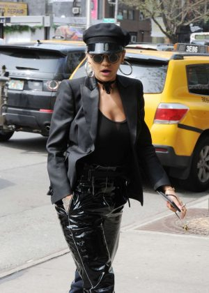 Rita Ora in Black Outfit Arriving for a Photoshoot in NY