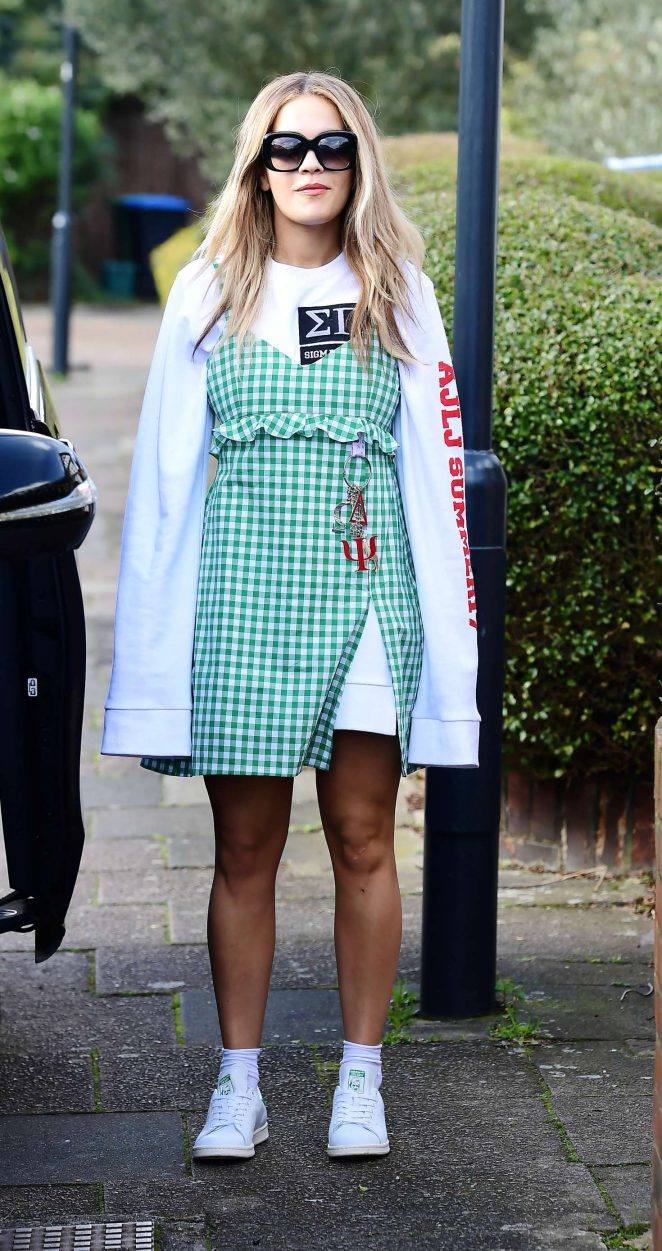 Rita Ora in thigh-grazing gingham sundress -01