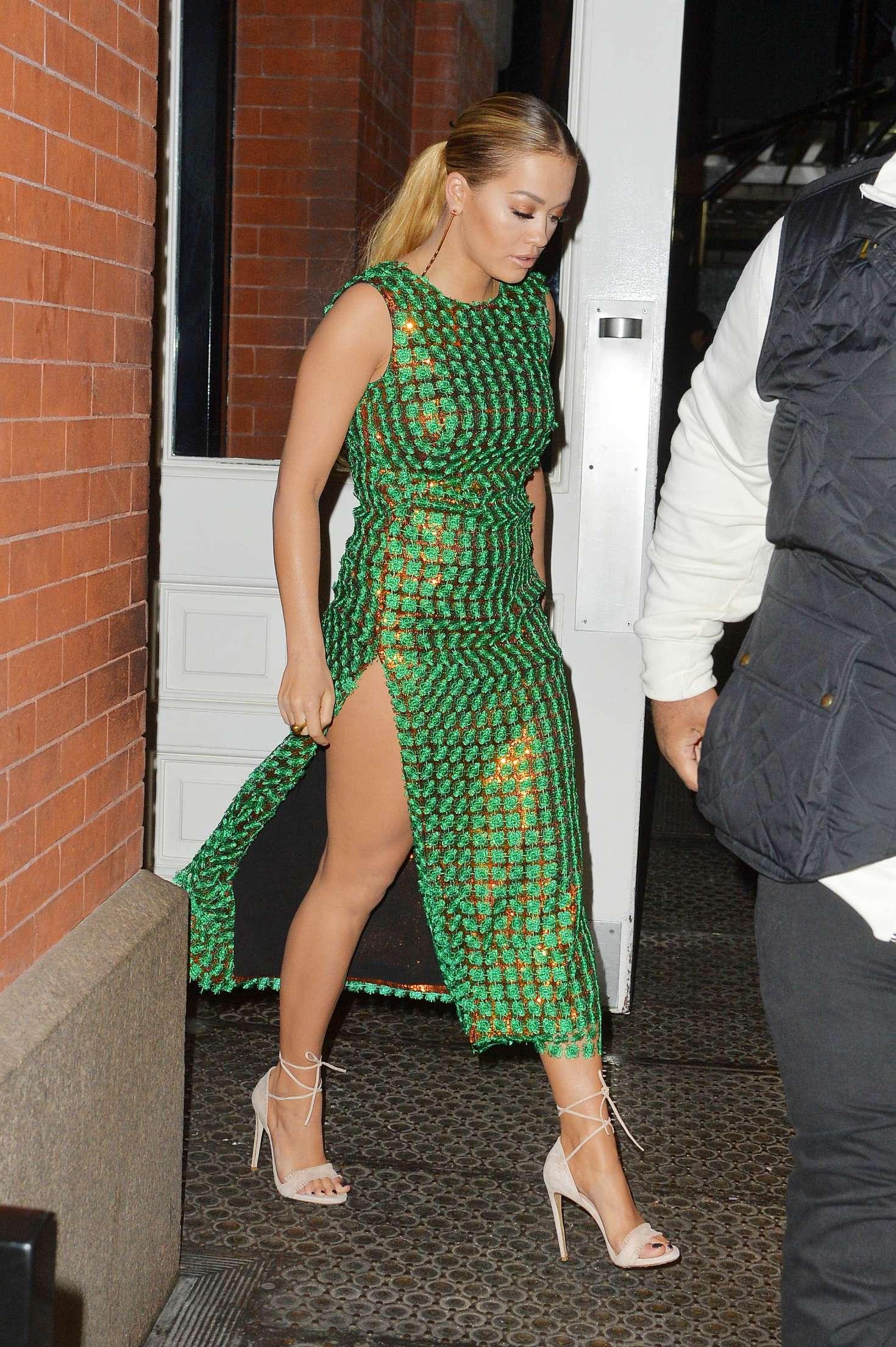 Tight Green Dress | neca.tk