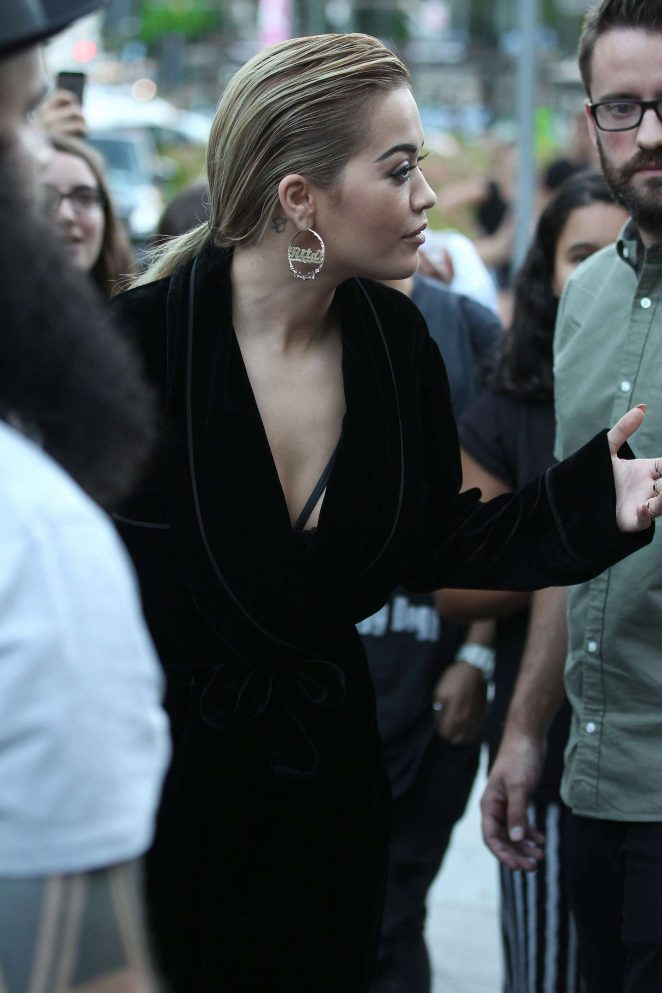 Rita Ora leaves her hotel in Milan -08