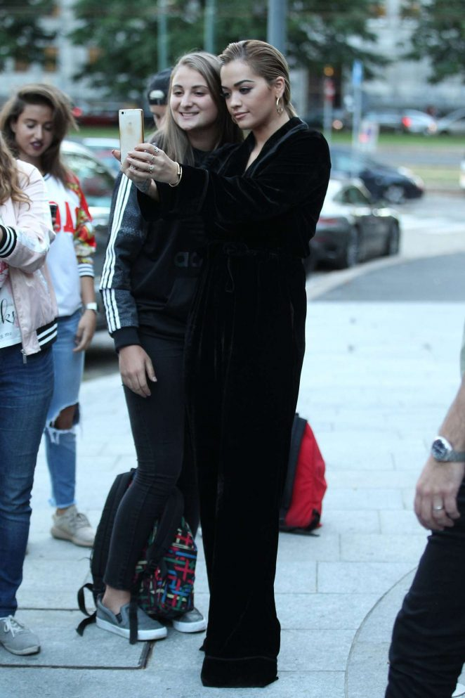 Rita Ora leaves her hotel in Milan -10