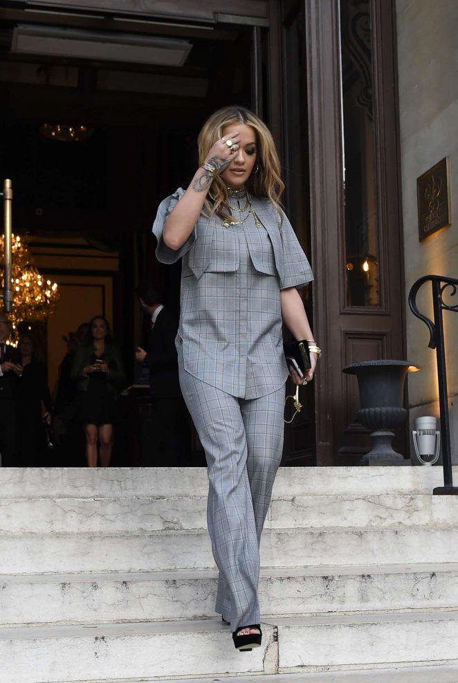 Rita Ora Leaves her hotel in Paris -15