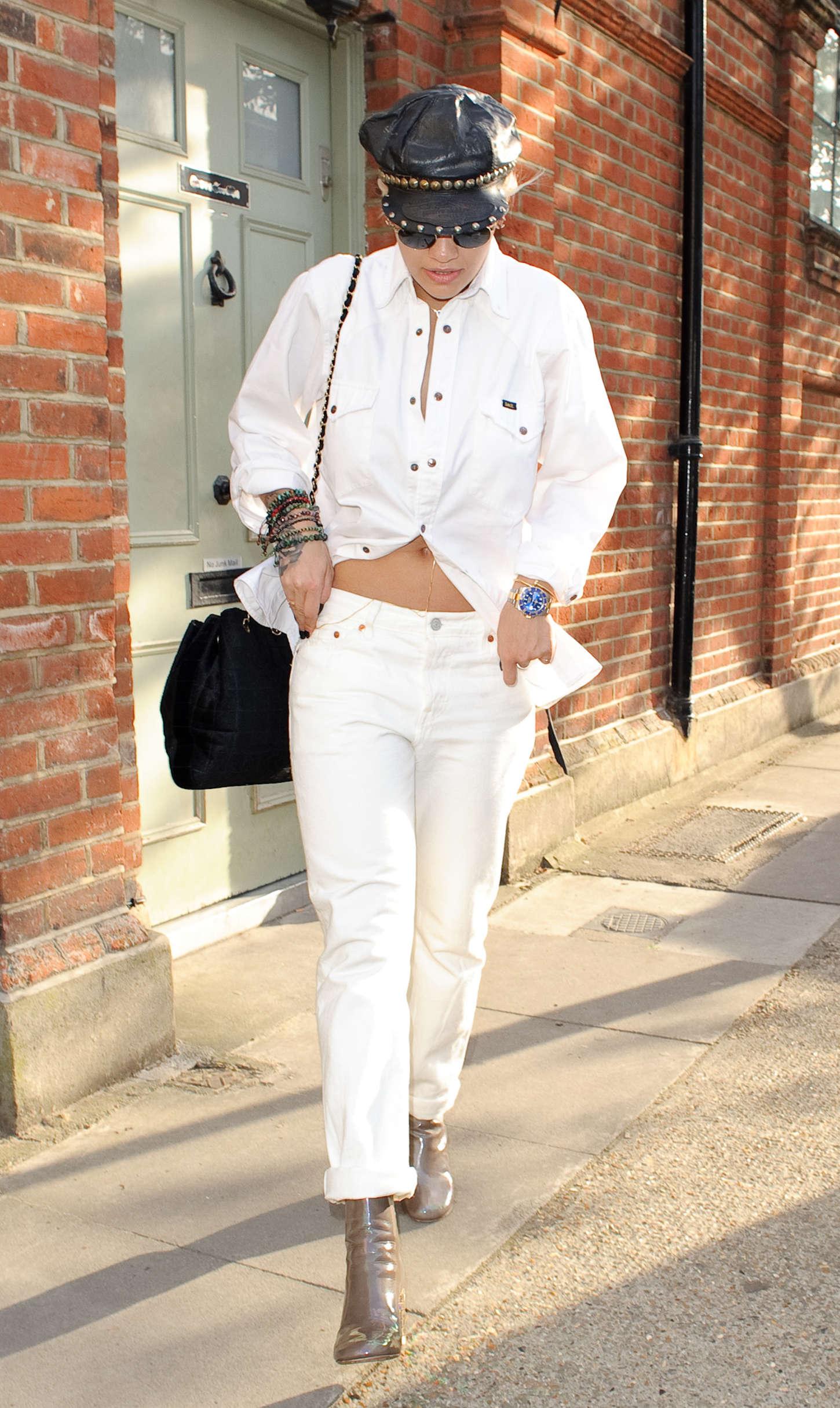 Rita Ora 2015 : Rita Ora: Leaving a Recording Studio -02